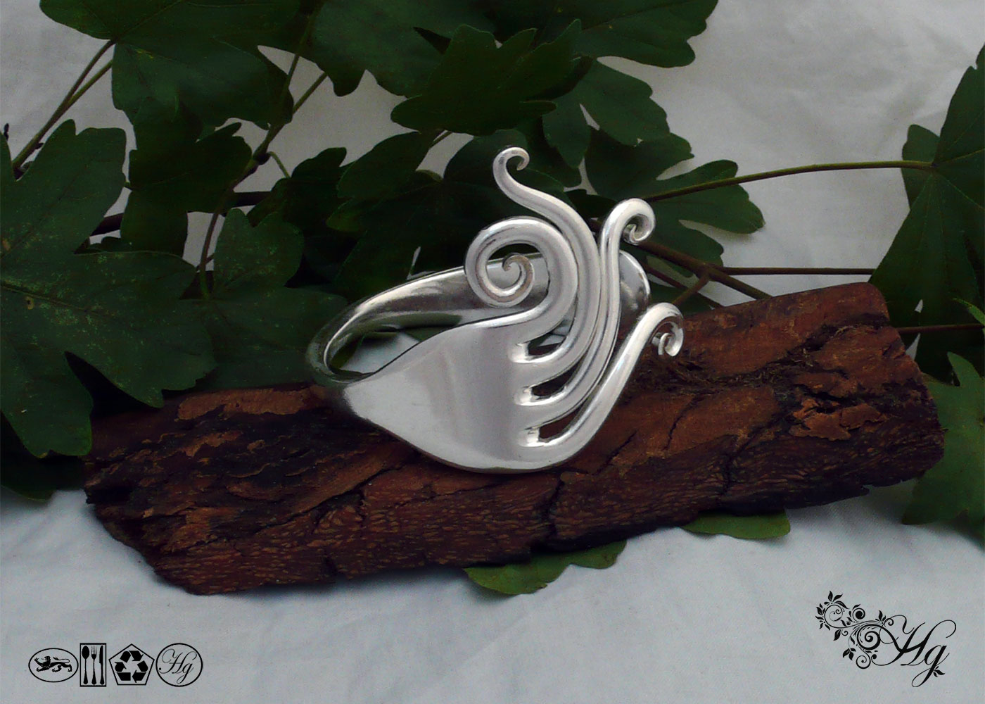 Handmade and recycled swirls fork bangle
