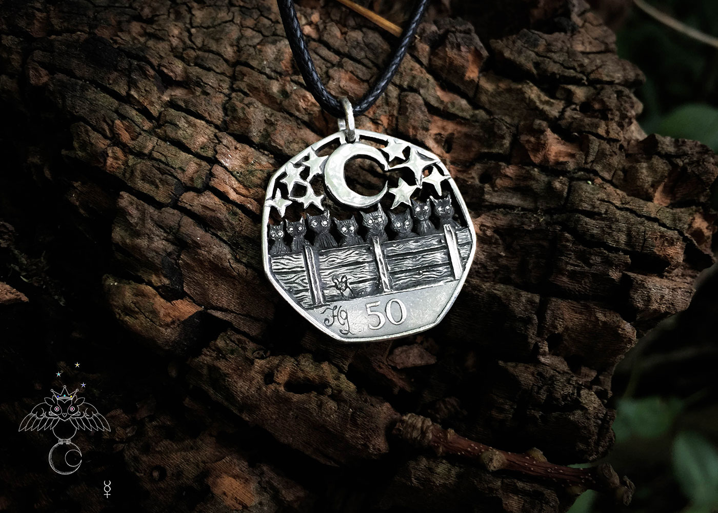 Black cat jewellery handmade from old coins. Each coin is recycled into a desirable, piece of completely original, black cat jewellery ☽◯☾.